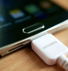 Methods to charge your tablet without a charger